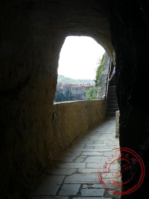 De weg die leidt naar het Great Meteoron klooster