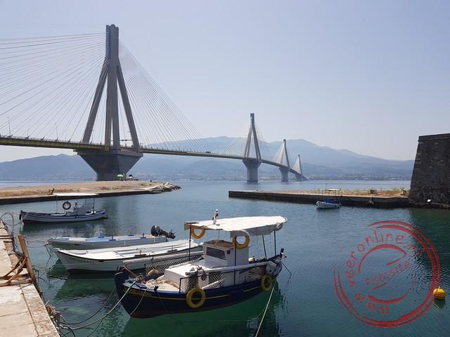De 2.880 meter lange Rio - Antirro brug