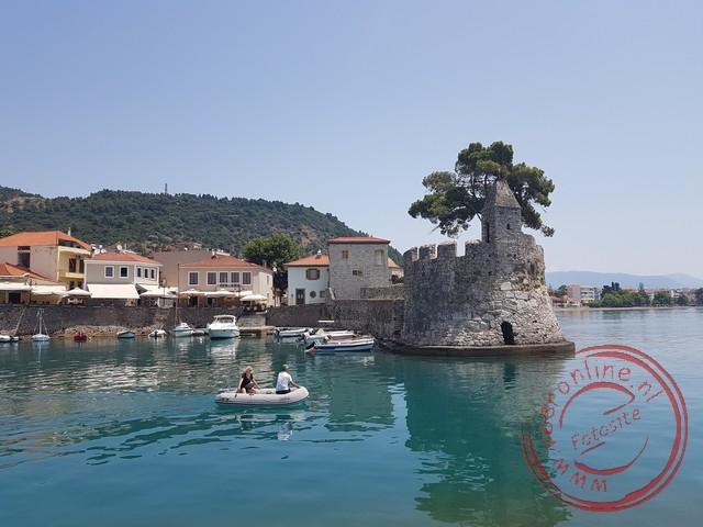 De pittoreske haven van Nafpaktos