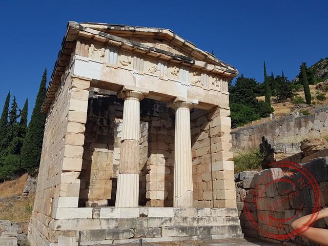 Een gerestaureerde tempel in Delphi