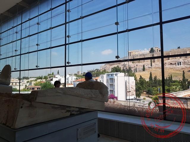 Uitzicht op de Akropolis vanuit het gelijknamige museum
