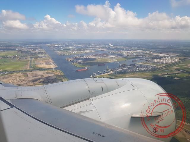 Het naderen van de luchthaven Schiphol