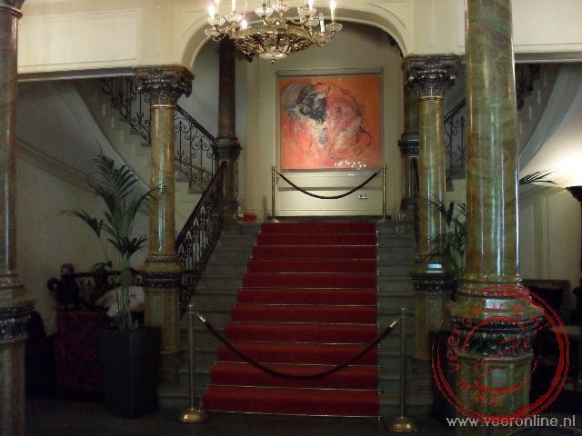 Het trappenhuis van het luxe hotel Kämp Helsinki