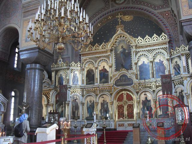 Het prachtige interieur van de Uspenski Orthodox Cathedral