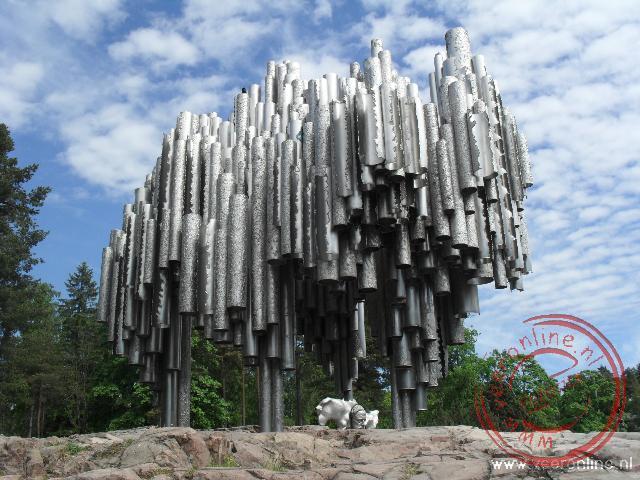 Het sibelius monument als eerbetoon aan de beroemde componist