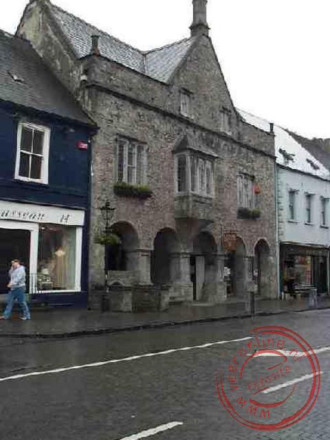 Het Rothe house aan de High Street dateert uit 1594. Het is het enige tudorkoopmanshuis in Ierland