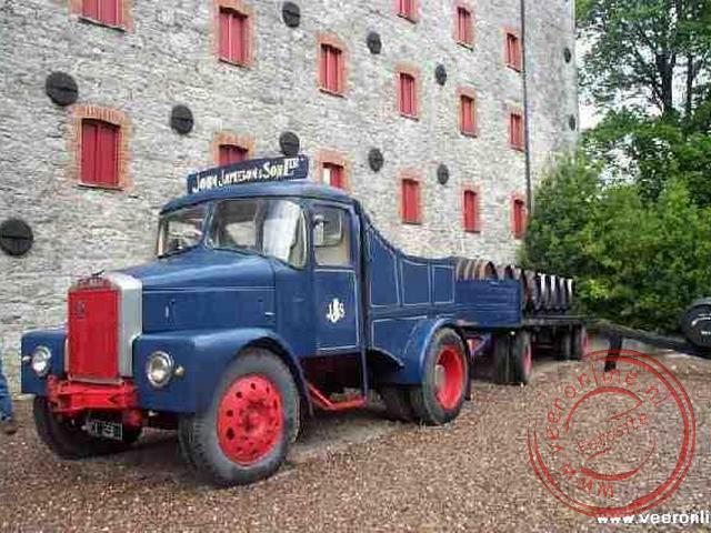 Een oude vrachtwagen