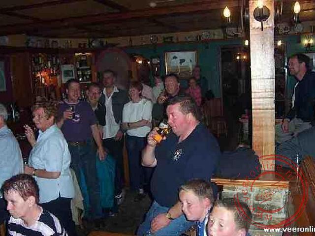 Met z n allen in het cafe onder het hotel genieten van de Ierse livemuziek
