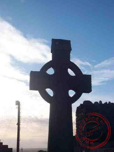 Het Ierse kruis op de begraafplaats