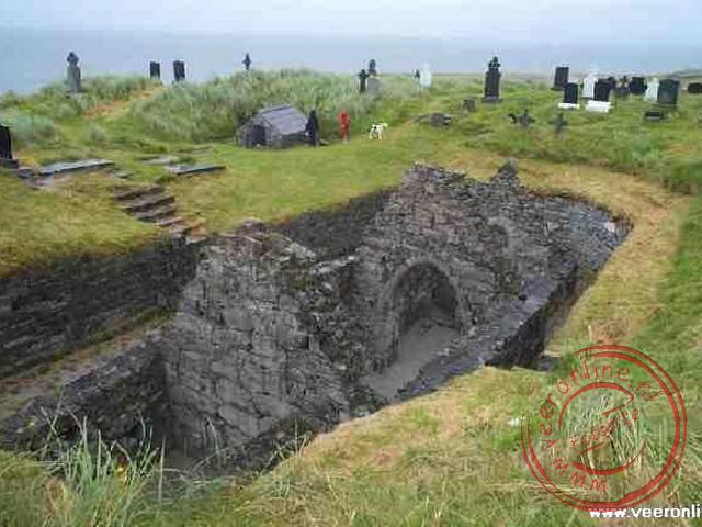 De opgraving van de kerk op het eiland Inisheer