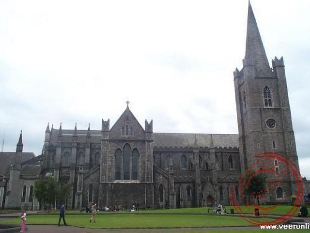 De St Patrick s Cathedral dateert oorspronkelijk uit 1192, maar is vele malen gerestaureerd