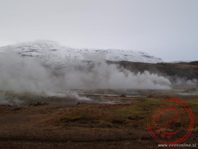 Het geothermische gebied rond de geisers Geysir e Strokkur