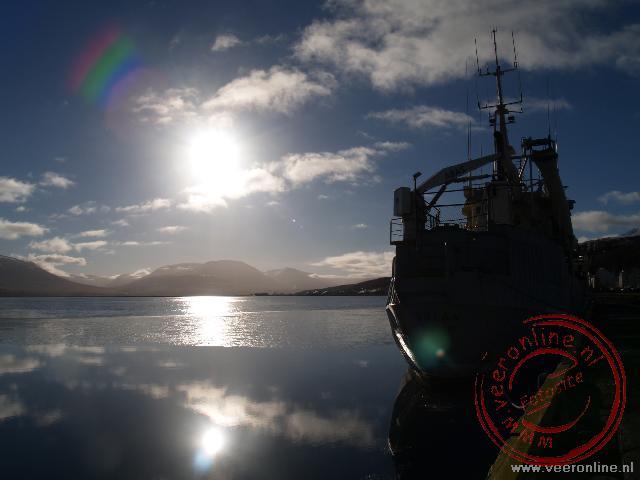 Een vissersboot in de haven van Akureyri