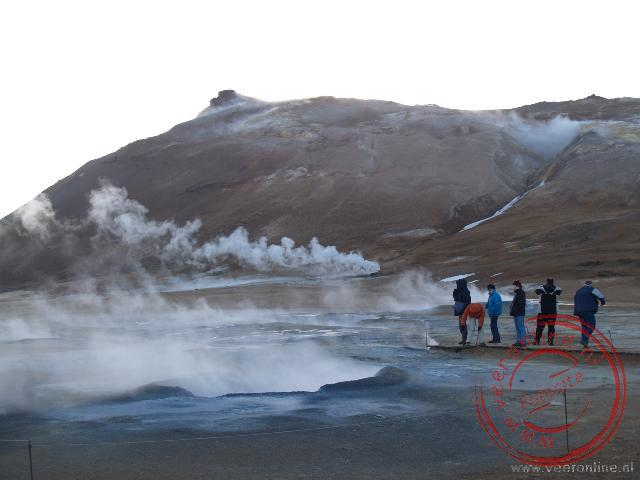 De bronnen en bubbelbaden van de Námafjall bij Mývatn
