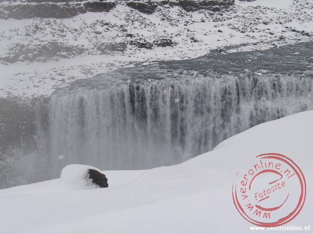 De Dettifoss waterval is de meest krachtige waterval van Europa