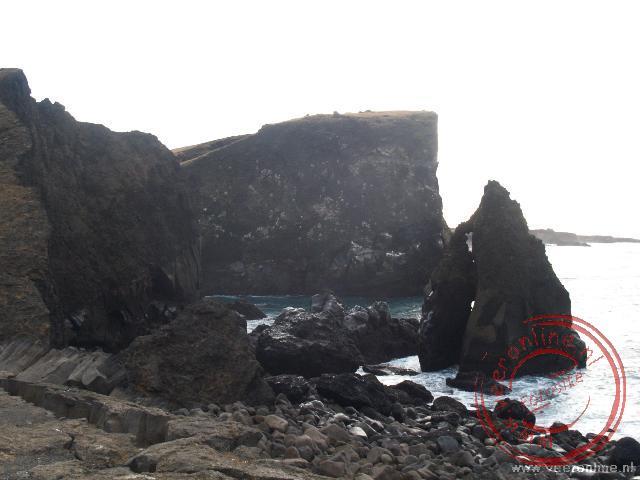 Reykjanesviti is een van de meest westelijk gedeeltes van Europa en is een uniek vogelgebied.. De oorpsronkelijke vuurtoren op deze rotspunt is bij ee