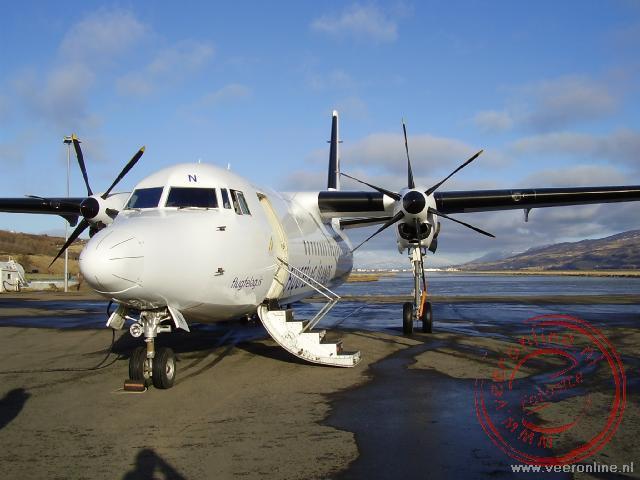 De fokker voor de binnenlandse vlucht naar Akureyri