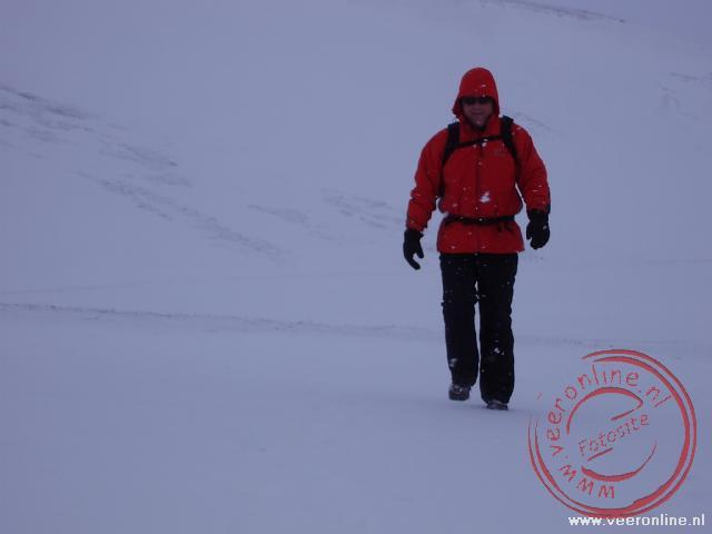 Wandelen bij Leirhnjúkur bij de Krafla vulkaan op IJsland