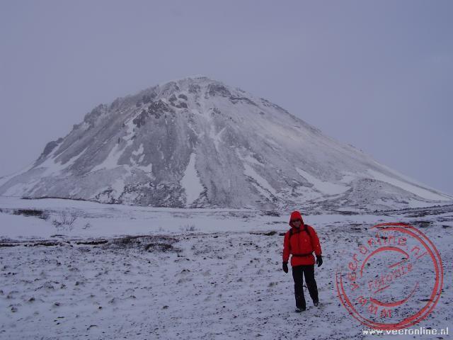 Wandelen langs de Hlidarfjall mountain