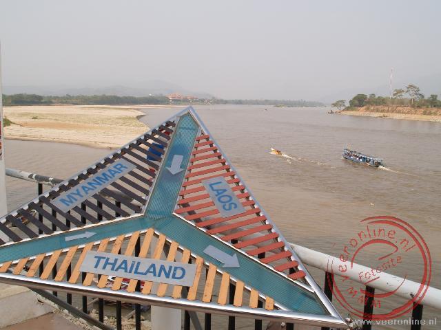 De Gouden Driehoek is het drielandenpunt van Myanmar, Laos en Thailand.