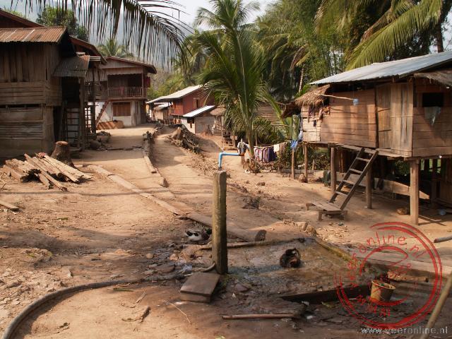 De centrale waterkraan in de dorpje Keang Haang