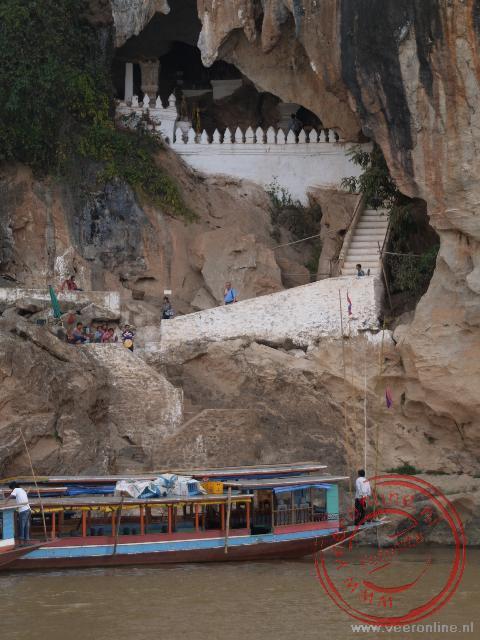 De grotten van Pak Ou