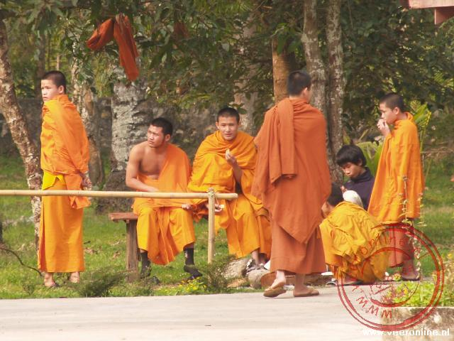 Monniken bij de Wat Visounnarath