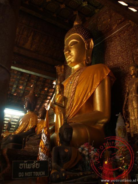 Het Boeddhabeeld in de Wat Xieng Thong