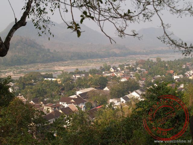 Het uitzicht over Luang Prabang vanaf de Phu Si heuvel