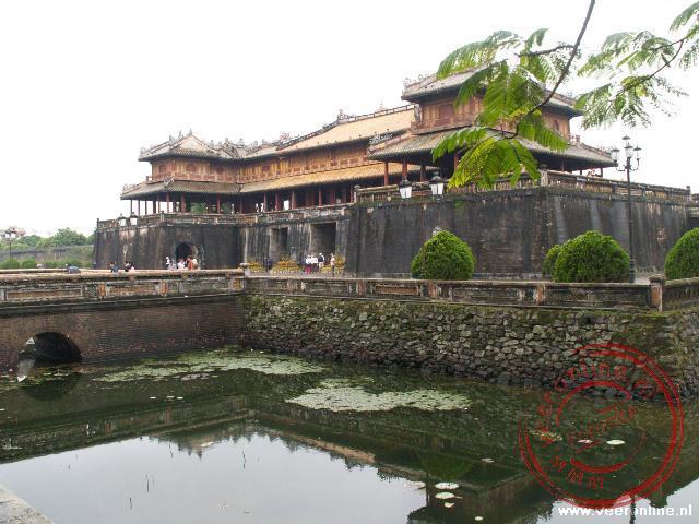 De toegangspoort van de Citadel van Hué