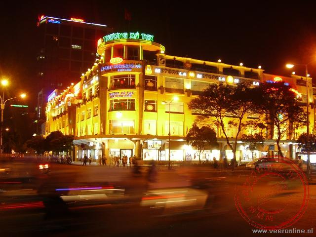 Ho Chi Minh Stad bij avond