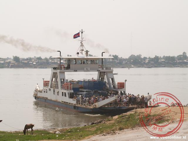 De veerboot over de Mekong