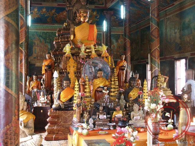 De boeddha afbeelding in de tempel Wat Phnom