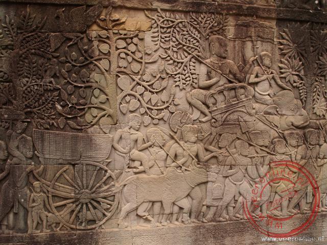 De bas reliëfs beschrijven het leven uit de tijd van de Boyon tempel