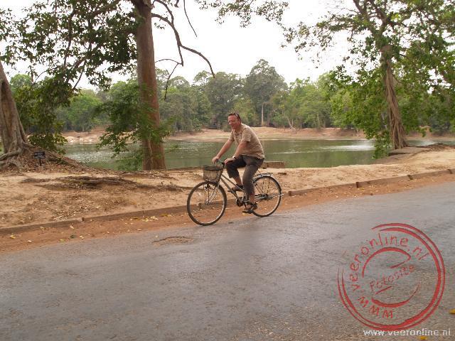 Op de fiets tussen de tempels van Angkor