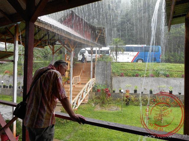 Als het regent, dan regent het hard. Heel hard.