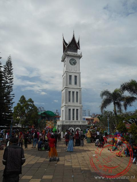 De klokkentoren in Bukittinggi is in 1926 gebouwd door de Nederlanders