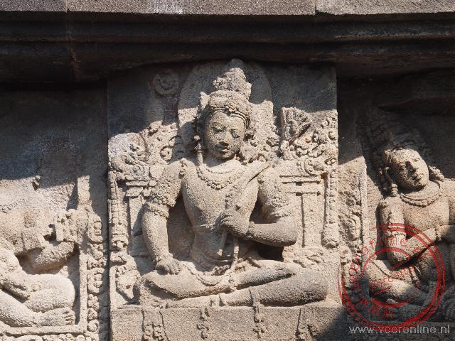 Details van de hoofdtoren van de Prambanan tempel
