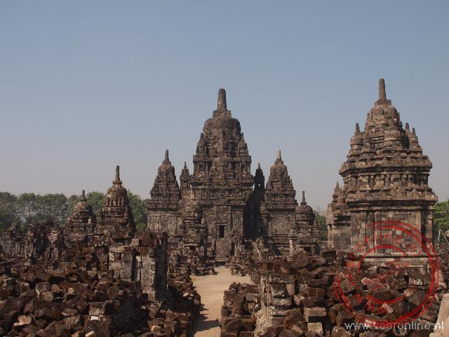 De boeddhistische Sewu tempel naast buiten het Prambanan complex