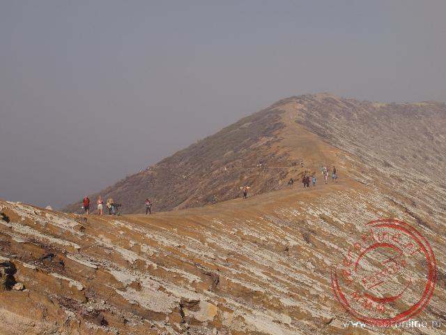 De kraterrand van de Ijen vulkaan