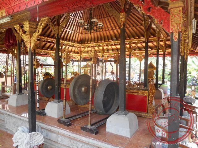 De ontvangstruimte van het paleis in Ubud
