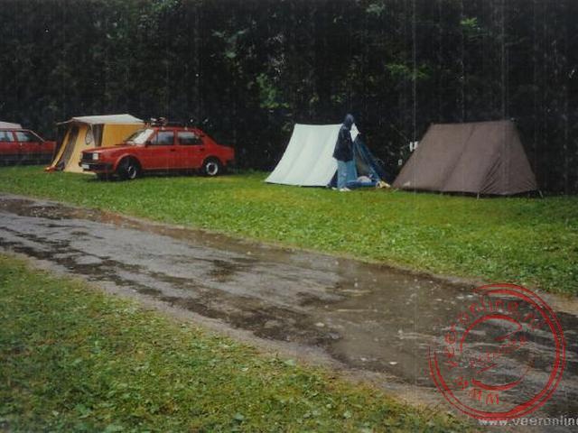 Regen op de camping