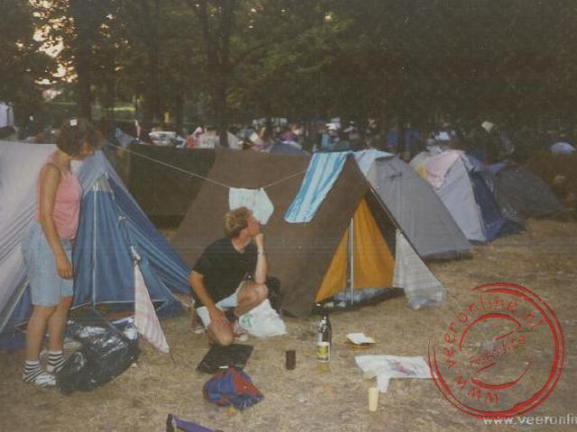 Op de camping in Rome staan vele trekkerstentjes