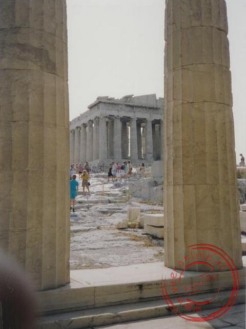 Een doorkijkje maar de Akropolis