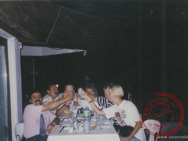 De kennismaking met de Turkse drank : Raki