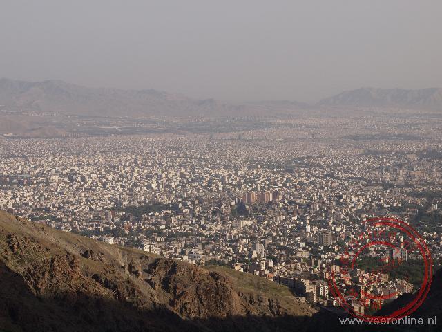 Uitzicht op de Iraanse miljoenenstad Teheran