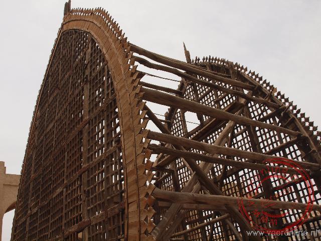 Een houten palmblad vormige Nakhl werd gebruikt bij de Ashura rituelen om een belangrijke iman naar buiten te tillen.