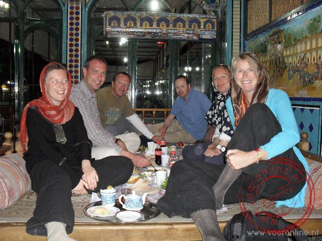 Het restaurant Sofres Khaneh Sonnati aan het centrale Iman plein