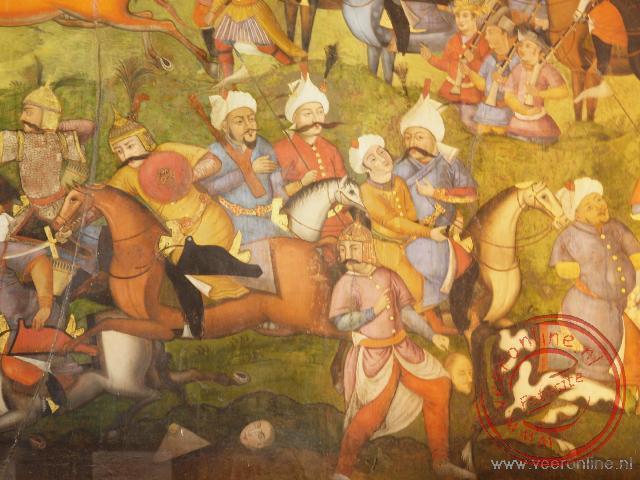Een detail van een fresco in het Chehet Sotun Palace