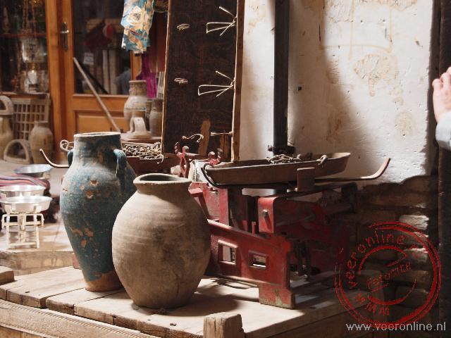 Een oude weegschaal in de bazaar van Kashan